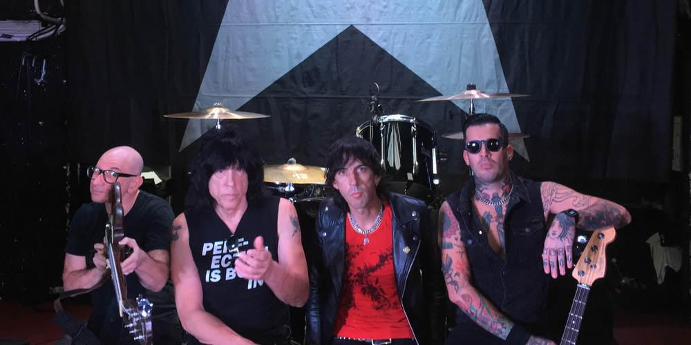 Tickets MARKY RAMONE (The Ramones) & GREG HETSON (Circle Jerks, Bad Religion), Support: DEAD KITTENS, THE DARTS in Berlin